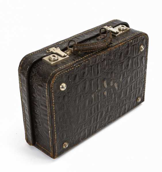 """Crocodile leather"" suitcase with beautiful old doll clothes - photo 4"