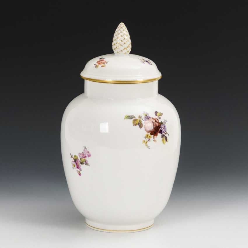 Lid vase with flower painting - photo 3