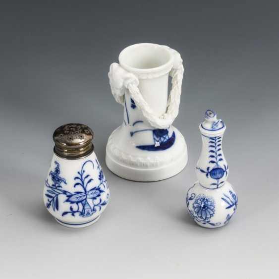 Bottle, salt shaker and vase with blue painting - photo 1