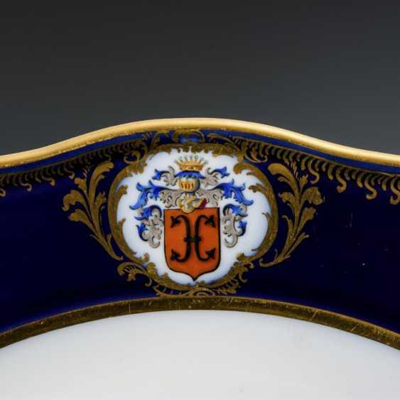Plate with a cobalt rim - photo 3