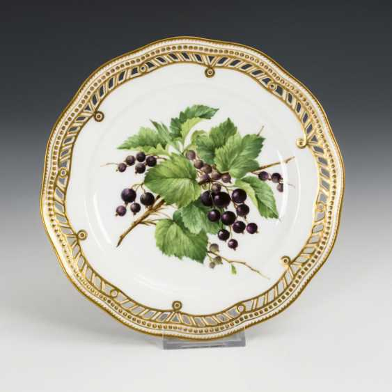 3 dessert plates with fruit painting - photo 1
