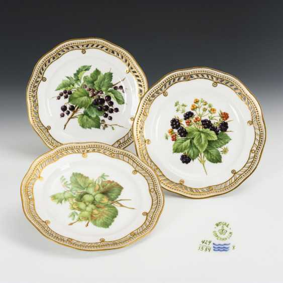 3 dessert plates with fruit painting - photo 3