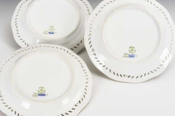 3 dessert plates with fruit painting - photo 4