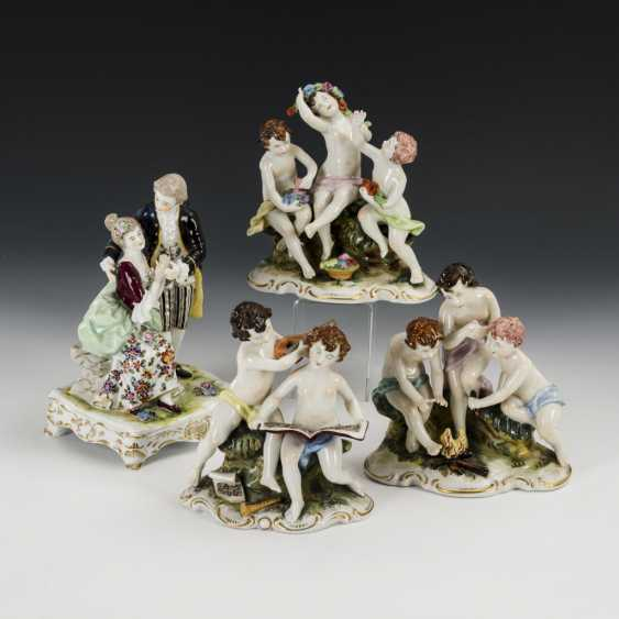 3 groups of putti and 1 gallant couple - photo 1