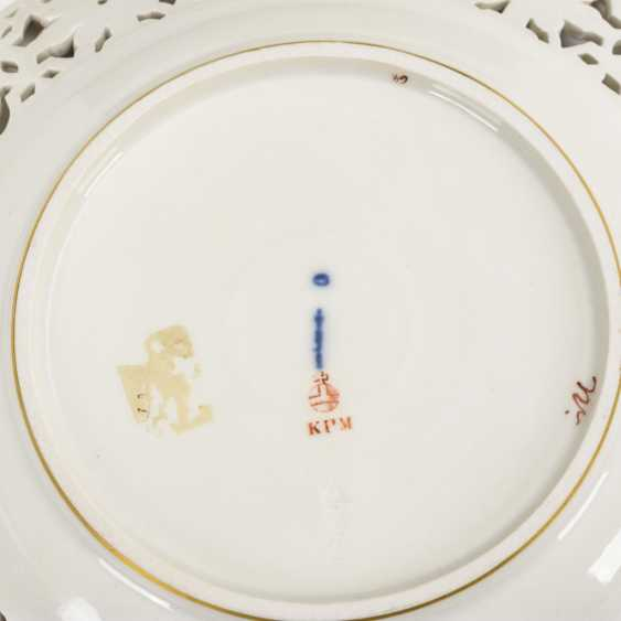 Dessert plate with soft painting - photo 3