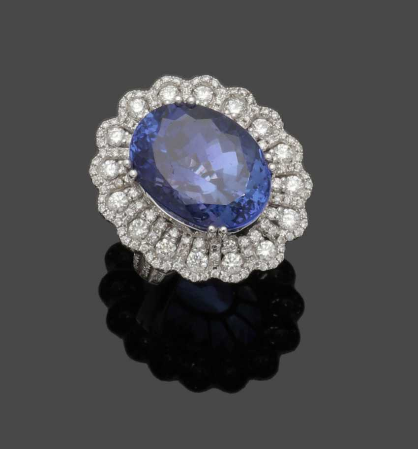 A magnificent jewel ring with tanzanite and diamonds - photo 1