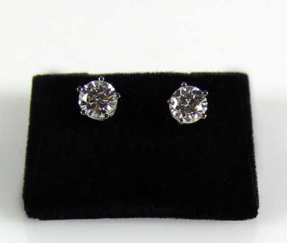 Pair Of Brilliant Solitaire Earrings - photo 1