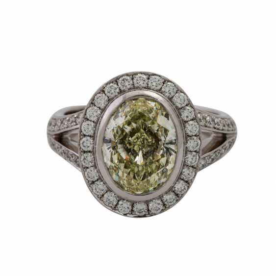 Ring with oval brilliant approx. 3.3 ct, - photo 2