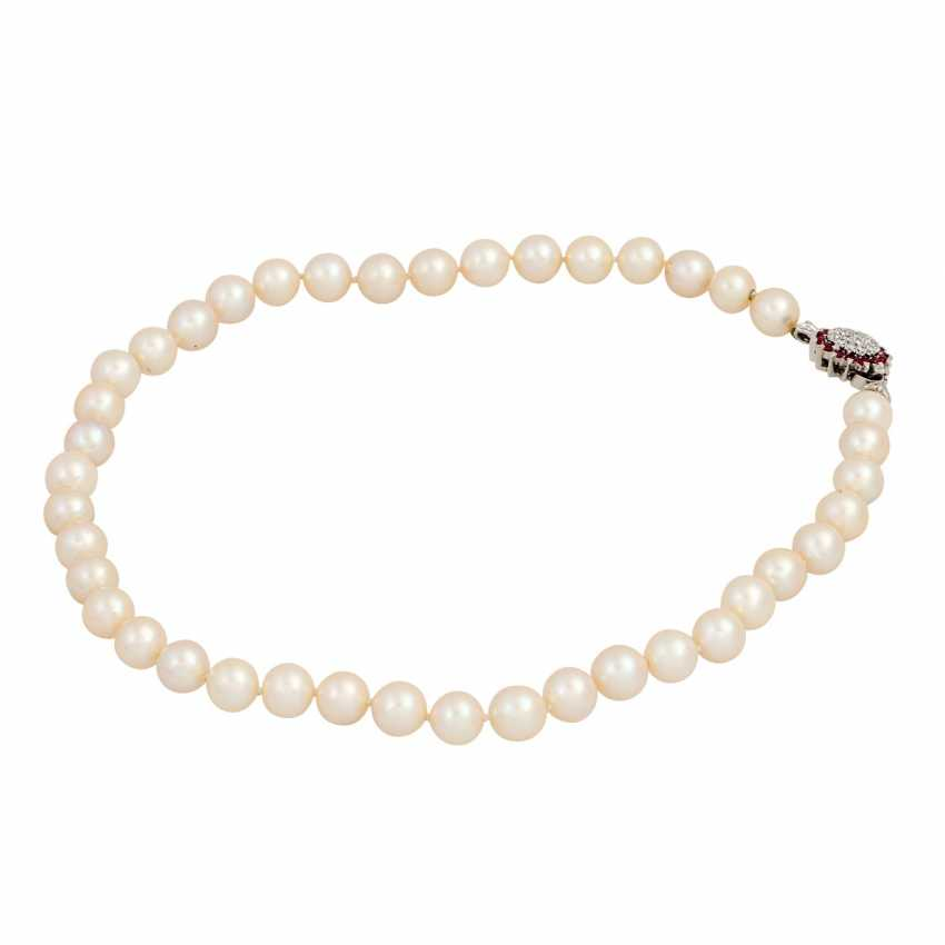 Fine pearl necklace with diamond ruby clasp, - photo 3