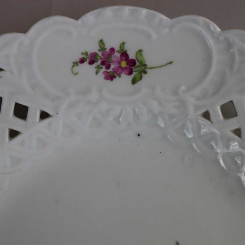 Pair of plates with a breakthrough rim - photo 2