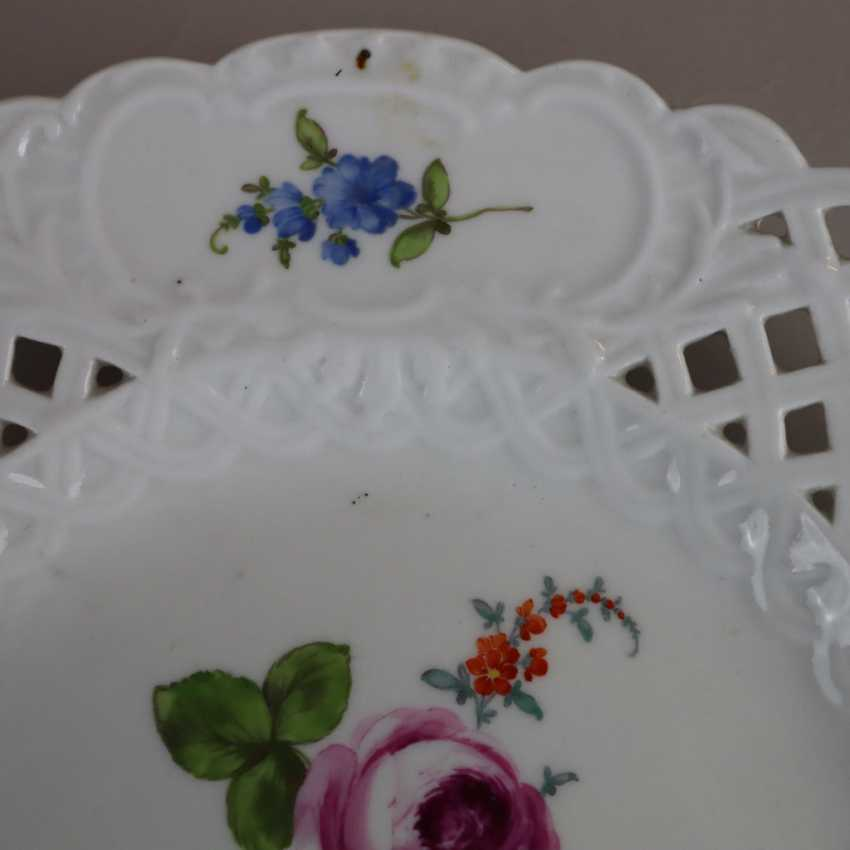 Pair of plates with a breakthrough rim - photo 11