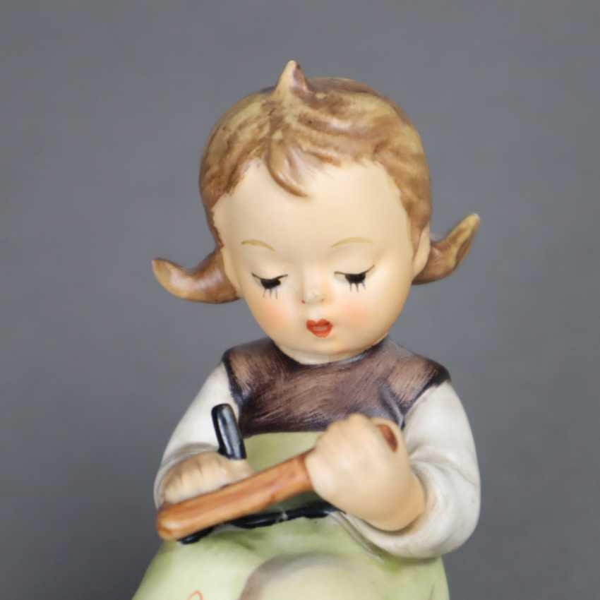Two Hummel figures - photo 3