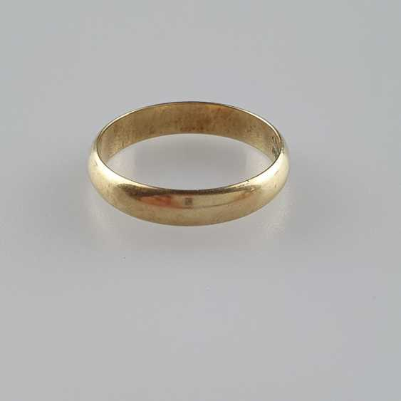 Wedding ring - photo 1