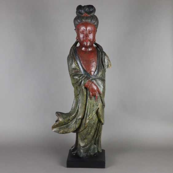 Wood figure Guanyin - photo 1
