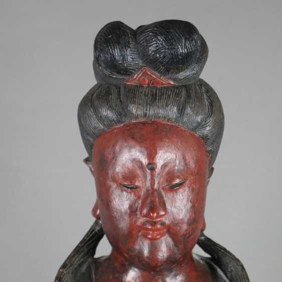 Wood figure Guanyin - photo 2