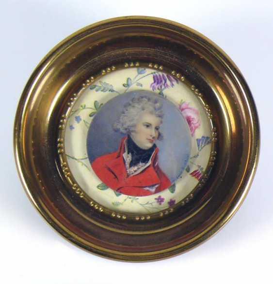 Miniaturist - photo 1