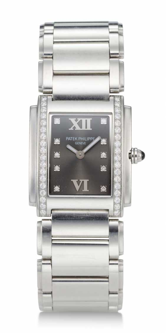 "PATEK PHILIPPE, STEEL AND DIAMONDS, ""TWENTY-4"", REF. 4910 - photo 1"