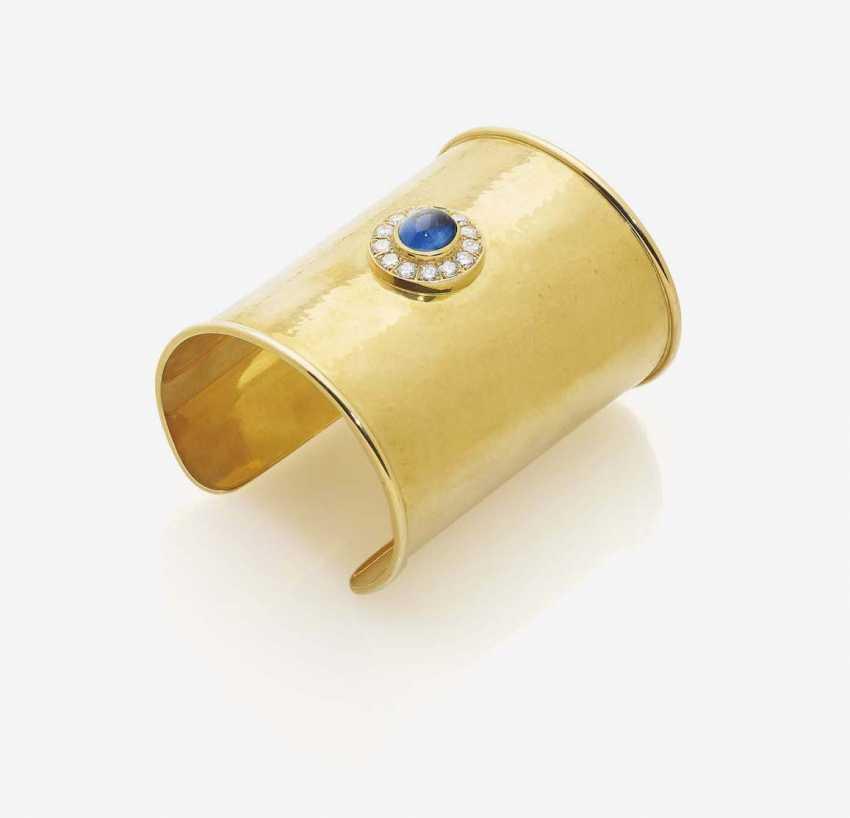 BANGLE WITH SAPPHIRE AND DIAMONDS - photo 1