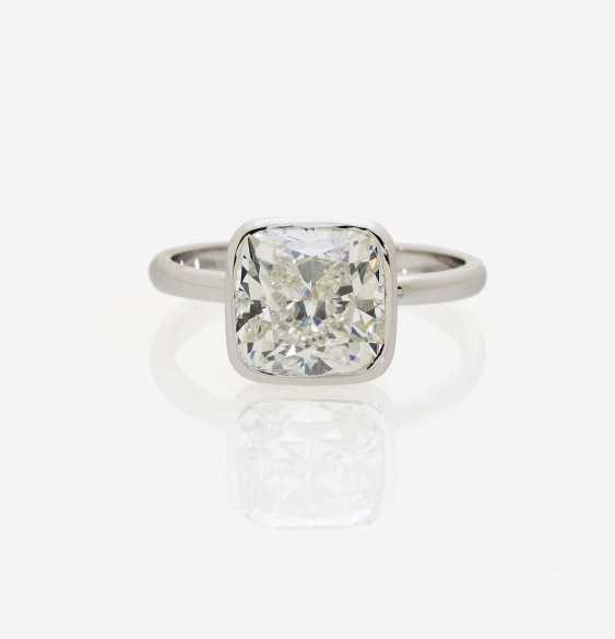 SOLITAIRE RING ADORNED WITH A DIAMOND IN CUSHION CUT - photo 2
