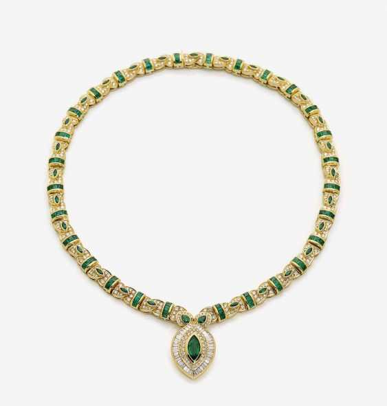 COLLIER WITH BRILLIANT AND EMERALDS - photo 1