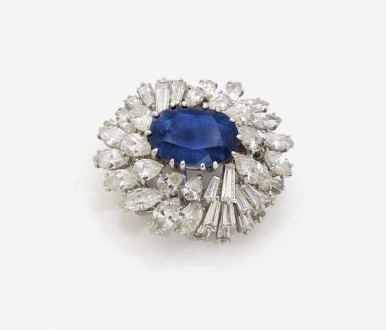 BROOCH WITH SAPPHIRE AND DIAMONDS - photo 1