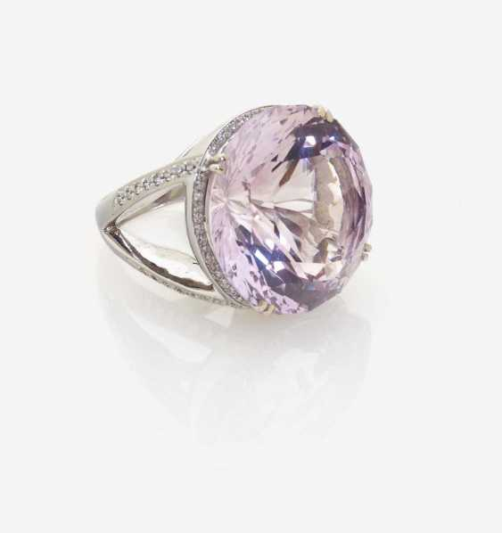 A MODIFIED COCKTAIL RING DECORATED WITH AN AMETHYST AND BRILLIANT-CUT DIAMONDS - photo 1