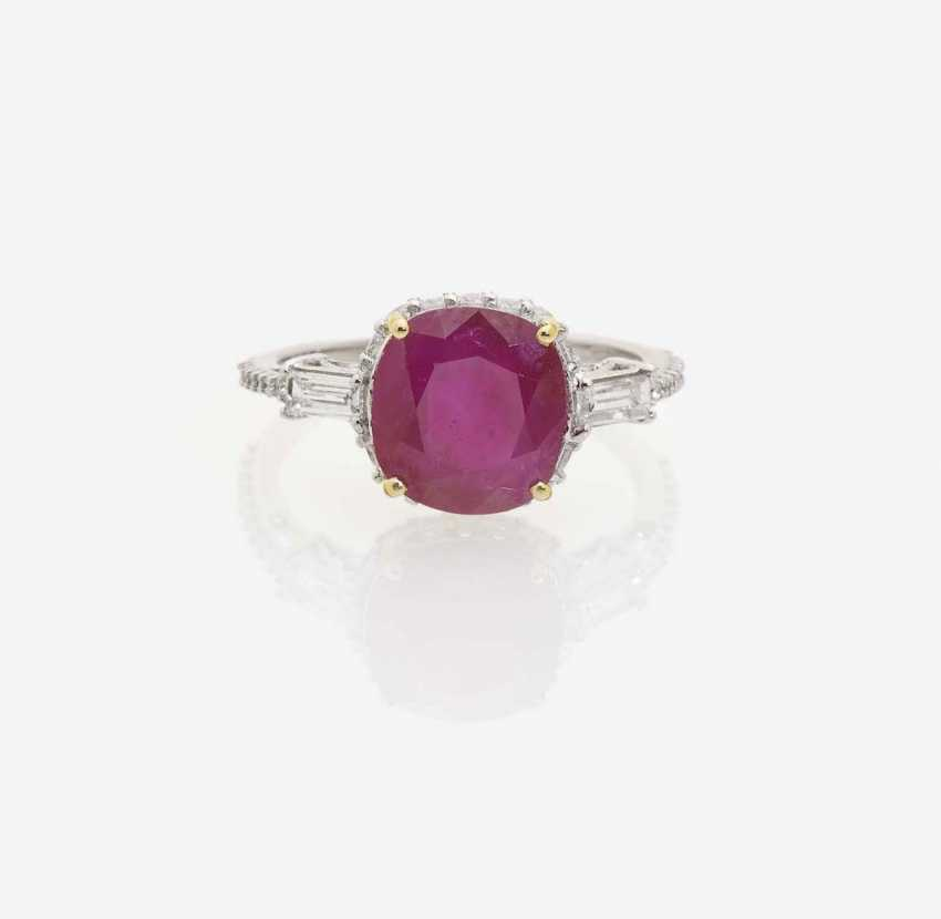 RING WITH BURMA RUBY AND DIAMONDS - photo 1
