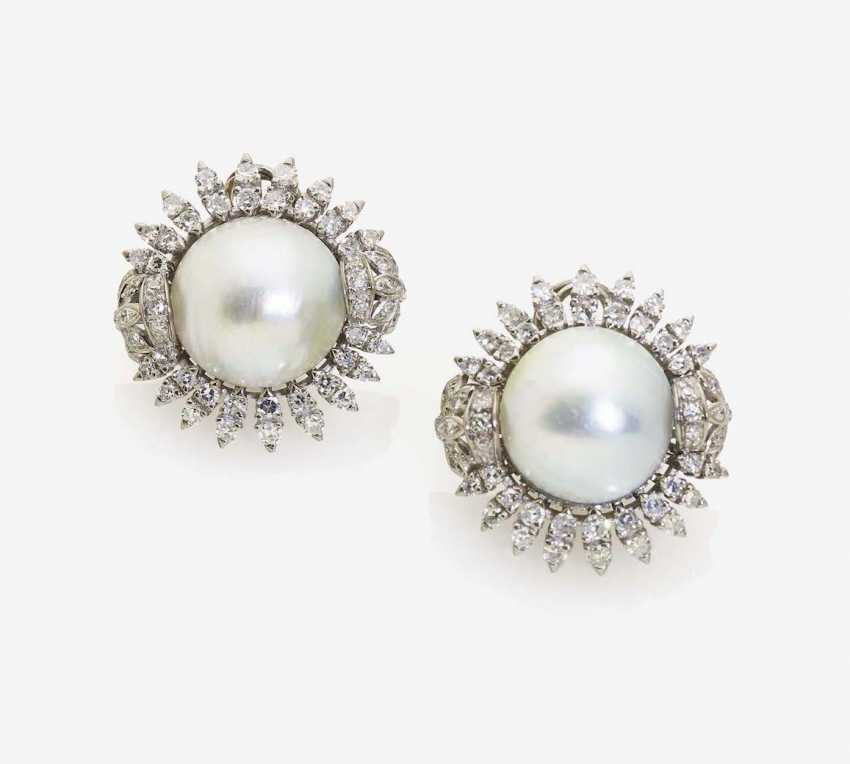 A PAIR OF CLIP-ON EARRINGS WITH MABÉ PEARLS AND DIAMONDS BREEDING DECORATED - photo 1