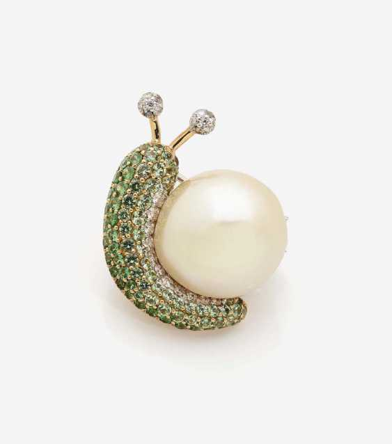 BROOCH IN THE SHAPE OF A SNAIL - photo 1