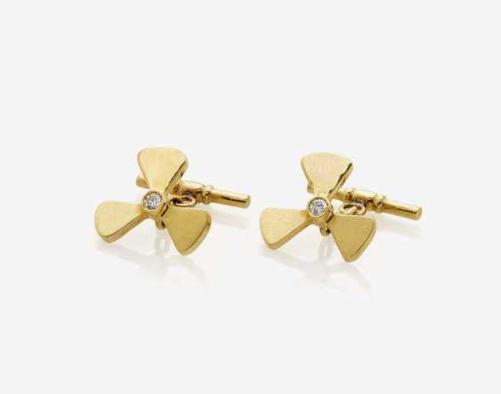 """A PAIR OF CUFFLINKS """"PROPELLERS"""", DECORATED WITH BRILLIANT-CUT DIAMONDS - photo 1"""