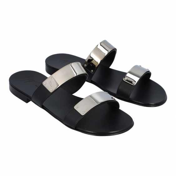 GIUSEPPE ZANOTTI pair of shoes size 42.5, - photo 2