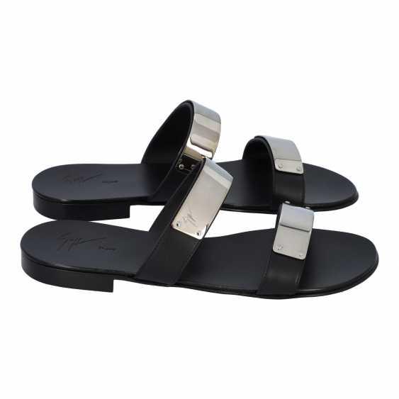 GIUSEPPE ZANOTTI pair of shoes size 42.5, - photo 3