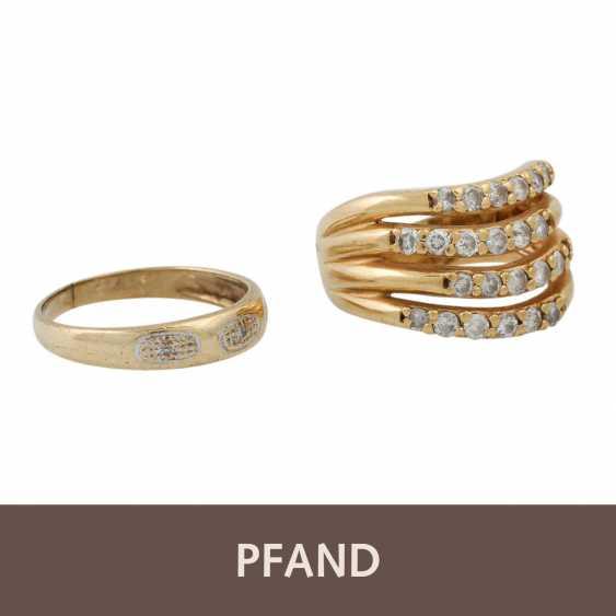 PLEDGE AUCTION - 1 ring with white stones (3 of them damaged) - photo 1