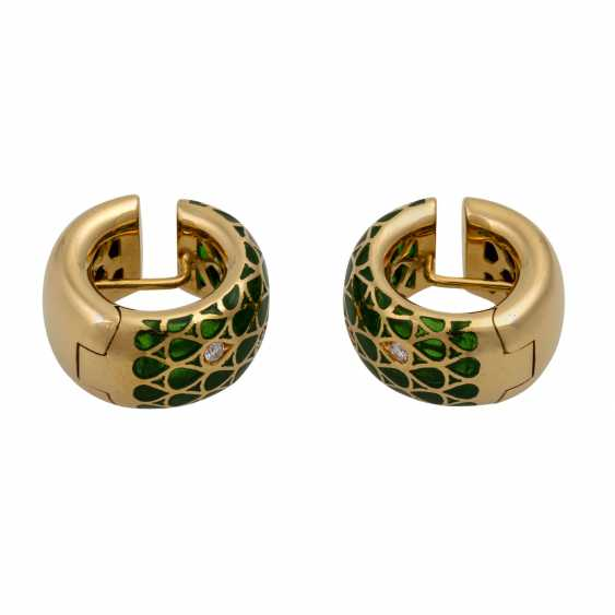 Pair of hoop earrings with green window enamel and diamonds totaling approx. 0.12 ct - photo 2