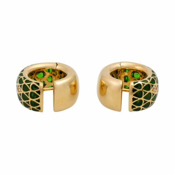 Pair of hoop earrings with green window enamel and diamonds totaling approx. 0.12 ct - photo 4