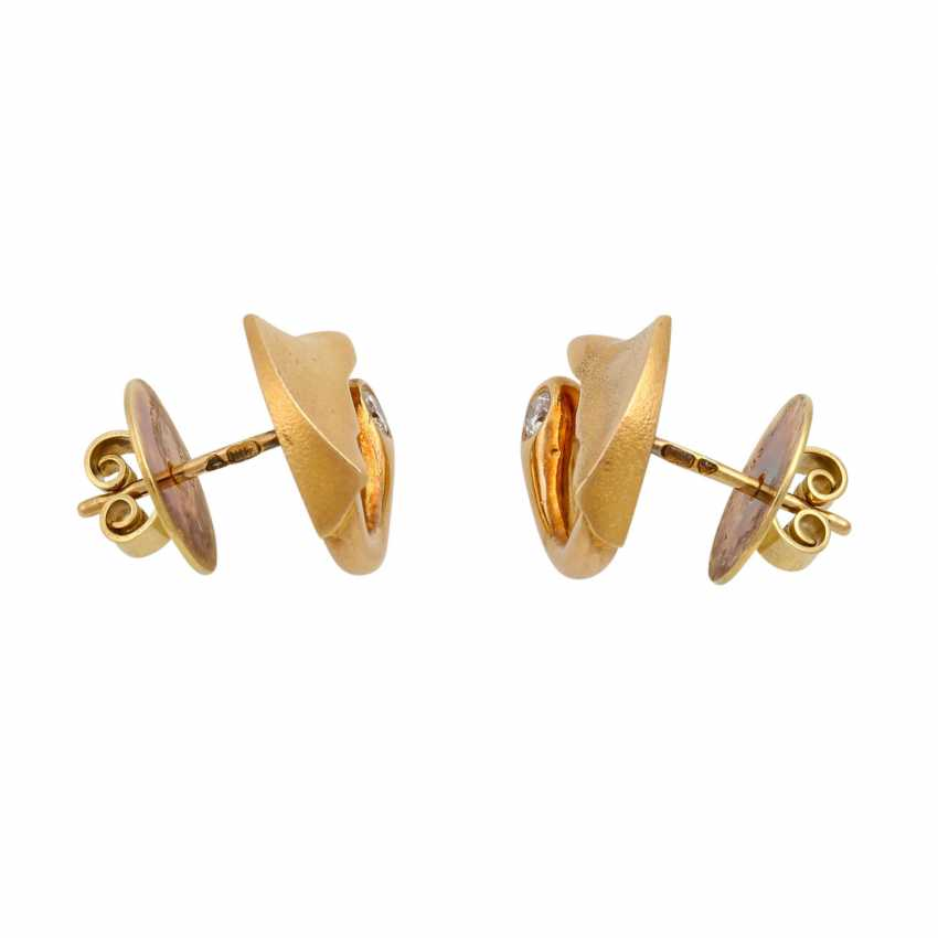 LAPPONIA ear studs with diamonds totaling approx. 0.12 ct (hallmarked), - photo 2