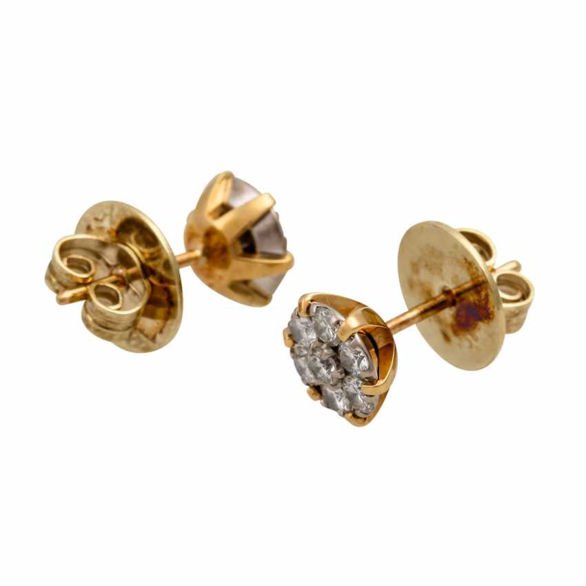 Stud earrings with diamonds totaling approx. 0.55 ct, - photo 3