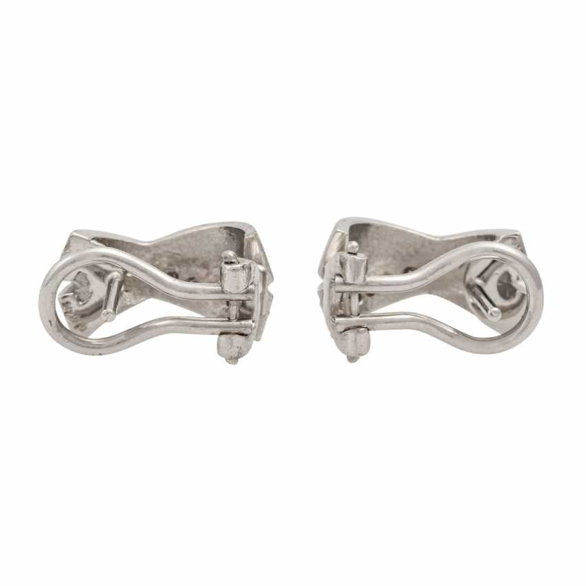 Earrings with diamonds totaling approx. 0.3 ct, - photo 3
