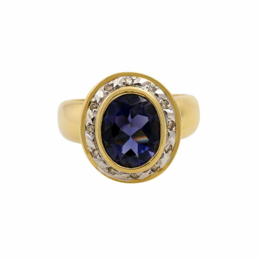 Ring with oval faceted tanzanite and diamonds, together approx. 0.2 ct, - photo 2
