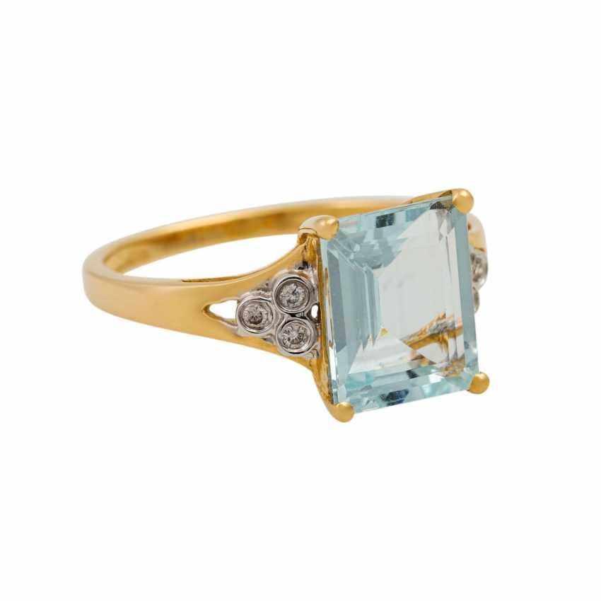 Ring with aquamarine and small brilliant-cut diamonds totaling approx. 0.09 ct, - photo 1