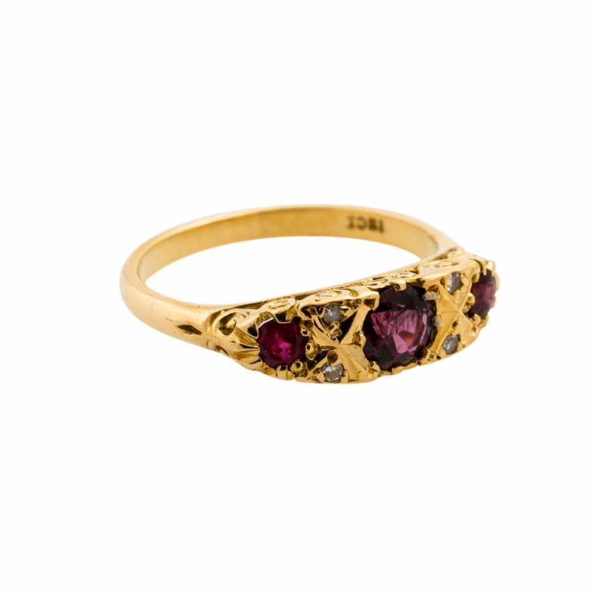 Ring with 3 rubies and diamonds, together approx. 0.04 ct, - photo 1