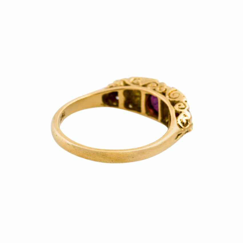 Ring with 3 rubies and diamonds, together approx. 0.04 ct, - photo 3