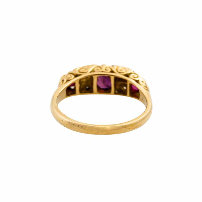 Ring with 3 rubies and diamonds, together approx. 0.04 ct, - photo 4