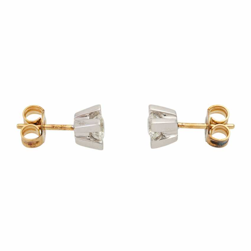 Solitary tube studs with diamonds totaling approx. 0.5 ct, - photo 2