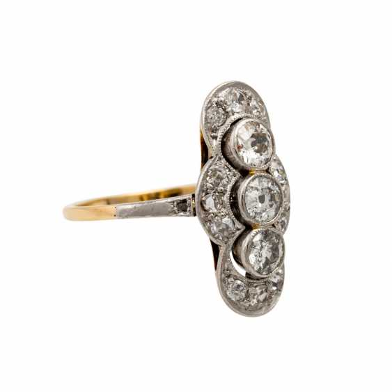 Art Deco ring with 3 old European cut diamonds totaling approx. 0.6 ct, - photo 1