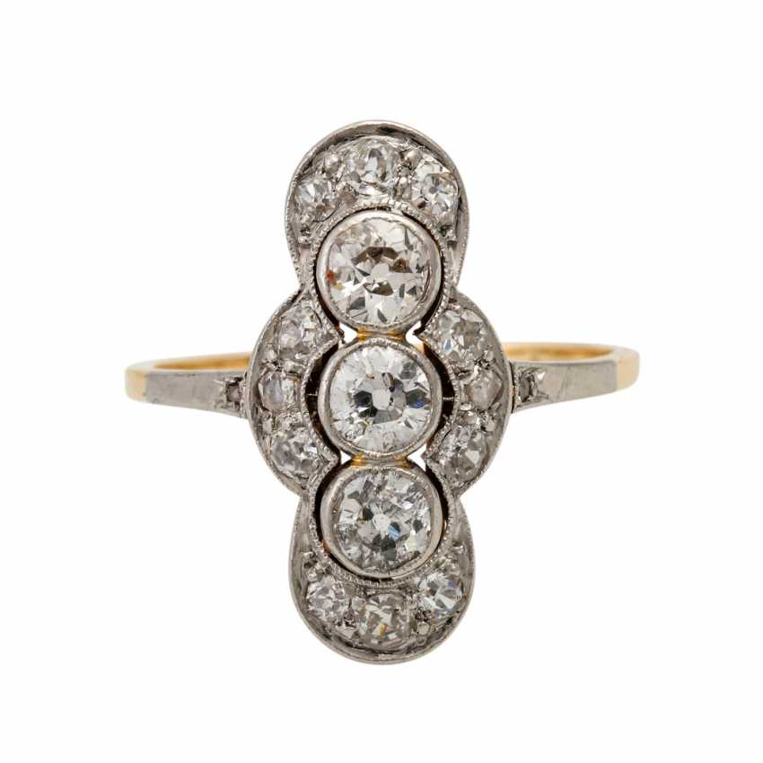 Art Deco ring with 3 old European cut diamonds totaling approx. 0.6 ct, - photo 2