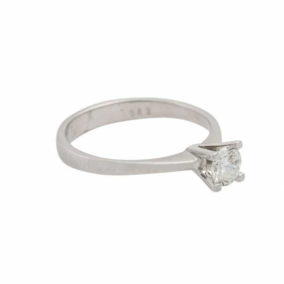 Solitaire ring with brilliant of approx. 0.43 ct (hallmarked), - photo 1