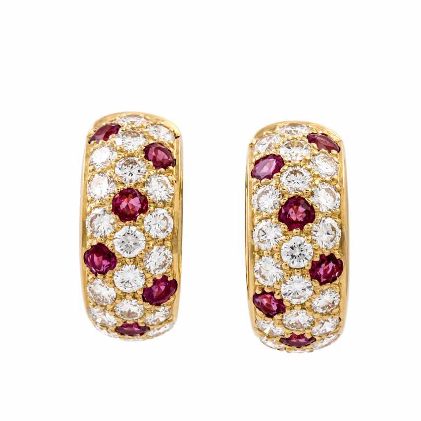 WEMPE pair of hoop earrings with rubies and diamonds - photo 1
