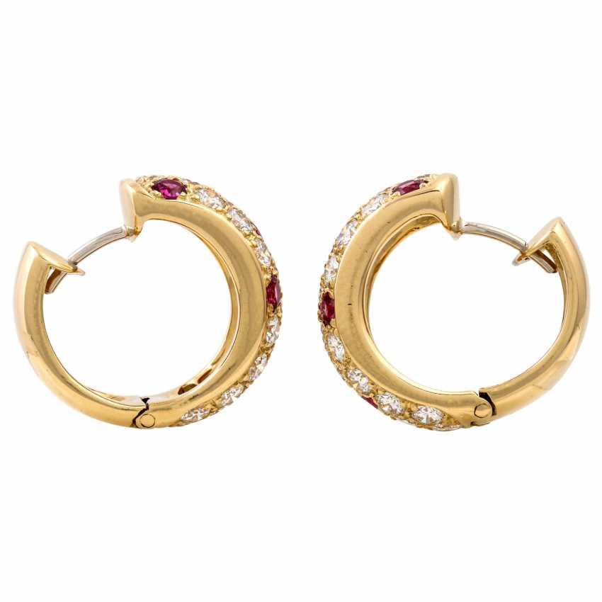 WEMPE pair of hoop earrings with rubies and diamonds - photo 3