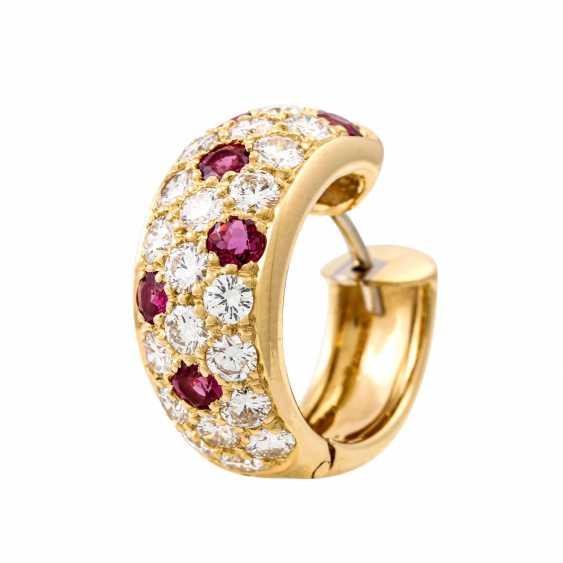 WEMPE pair of hoop earrings with rubies and diamonds - photo 5